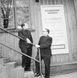 Major Johan Baronowsky_&_Socialchefen Brigadör Bertil Thyren_ 1958