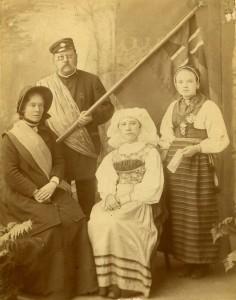 Englandsgruppen_1896_Hanna_Ouchterlony_Herman_Martinsson_Augusta_Larsson_Sigrid_Mårtensson