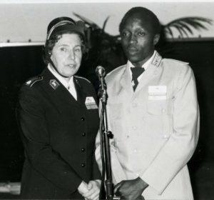 Glanncy_Matswetu_fr_Zimbabwe_tolk_överste_Ingrid_Lindberg